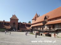 Zamek w Trokach dziedziniec Litwa