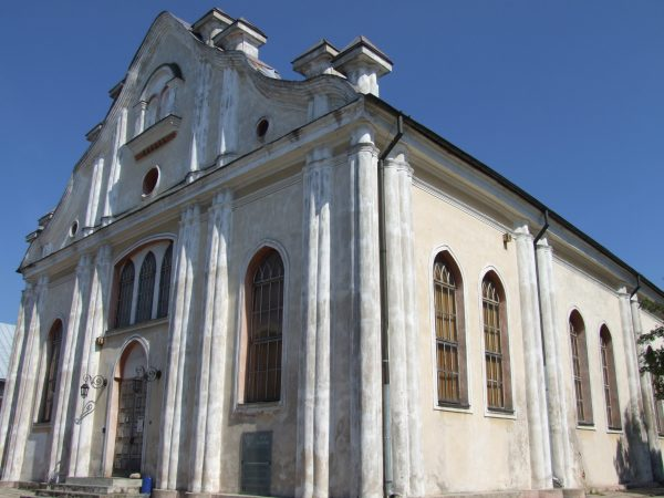 Biała Synagoga, znajdująca się naprzeciw Synagogi w Sejnach