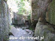 ruiny bunkru Wilczy Szaniec